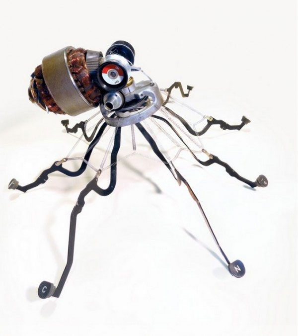 Art of Typewriter into Assemblage Sculptures by Jeremy Mayer